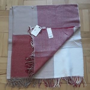 Uniqlo Accessories - 2 way stole from Uniqlo. NWT